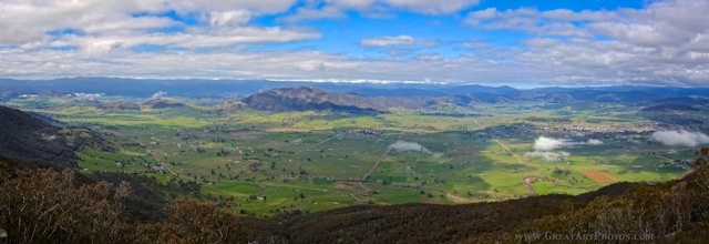 Corryong and surrounds from Mt Mittamatite